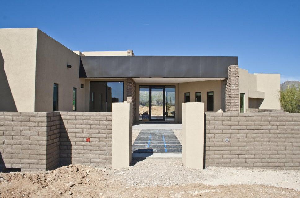 6083 W Quail Nest Place, Marana, AZ 85658