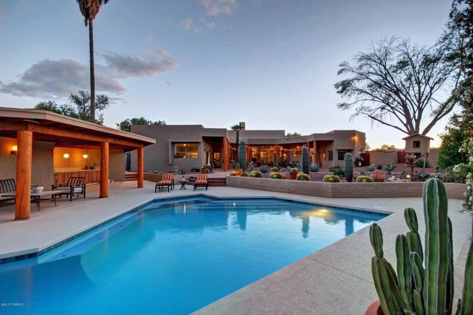 8431 E Brookwood Drive, Tucson, AZ 85750