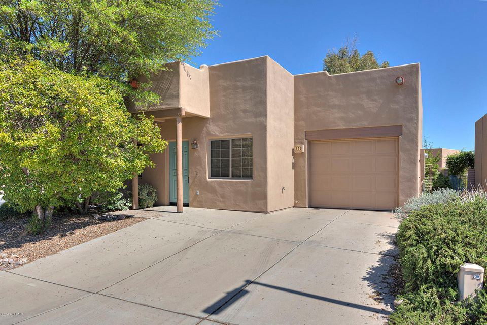 840 W Via Rio Fuerte, Green Valley, AZ 85614