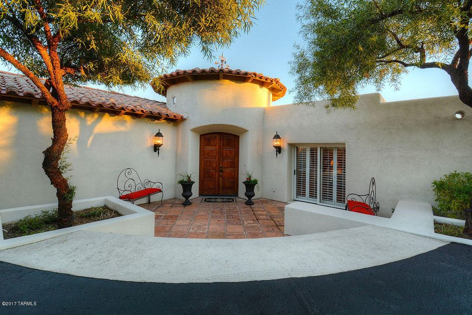 4900 N Avenida De Vizcaya, Tucson, AZ 85718