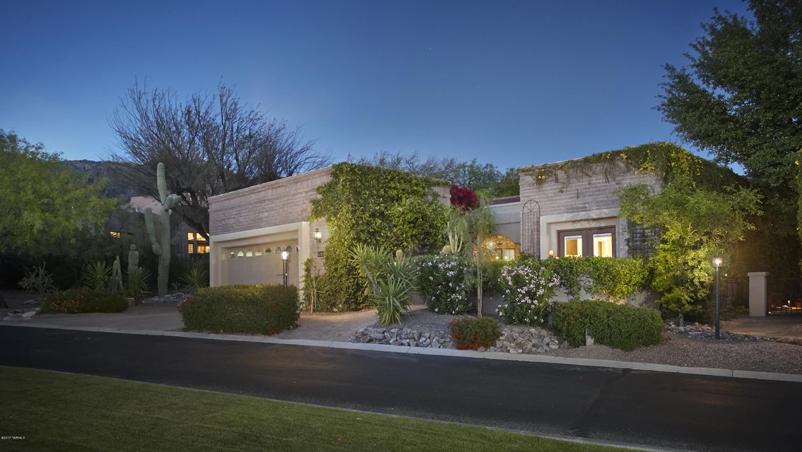 6282 N Calle Retreta Serena, Tucson, AZ 85750