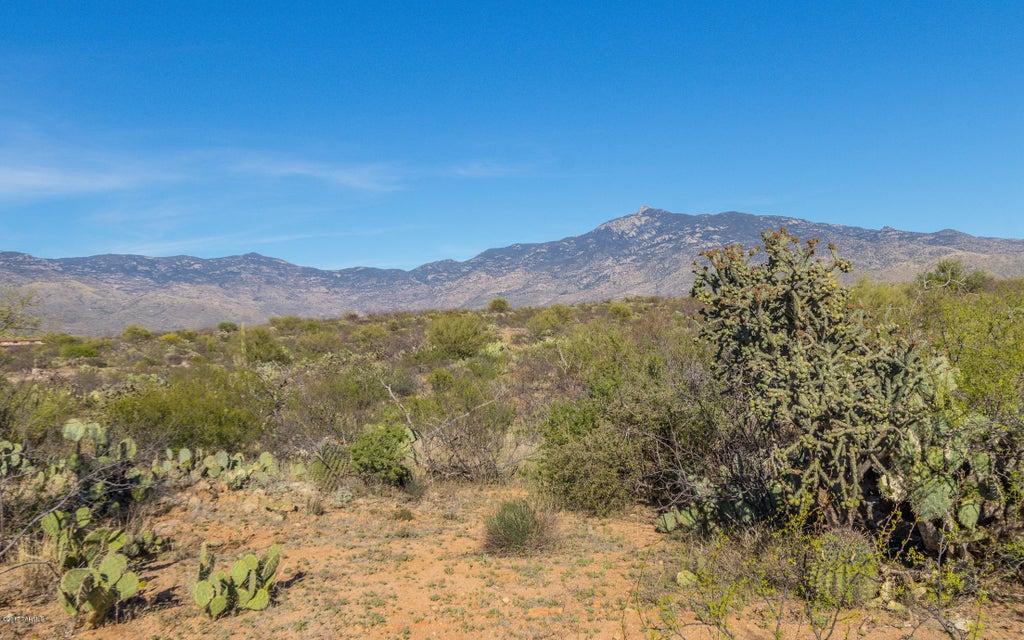 E McKenzie Wash Road, Vail, AZ 85641