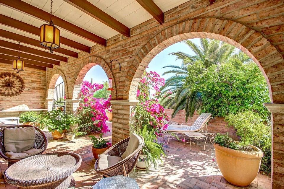 4736 E Cherry Hills Drive, Tucson, AZ 85718