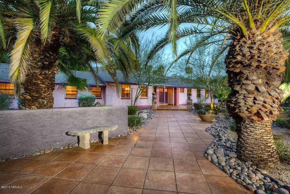 140 N Camino Miramonte, Tucson, AZ 85716