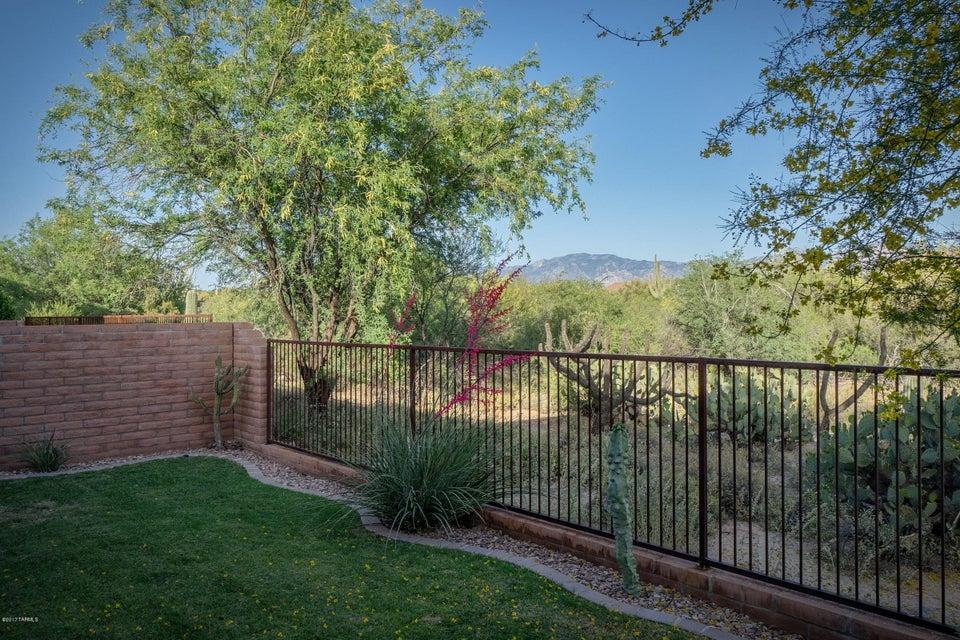 11552 N Moon Ranch Place, Marana, AZ 85658