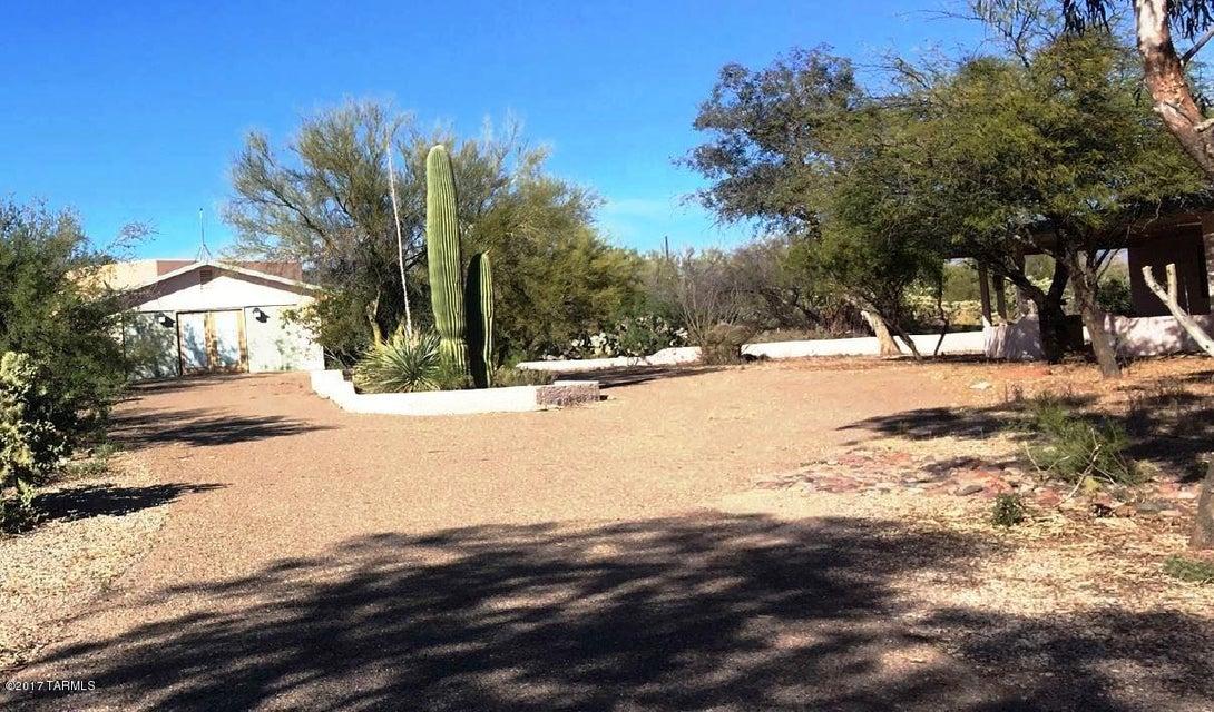 10940 N Gila Road, Tucson, AZ 85742