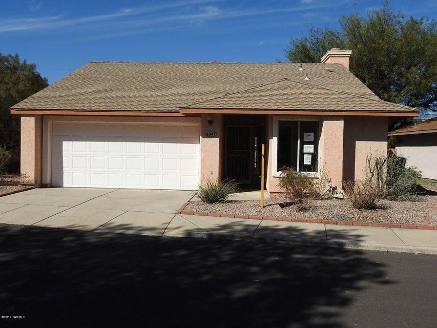 8041 E Calle De Camacho, Tucson, AZ 85715