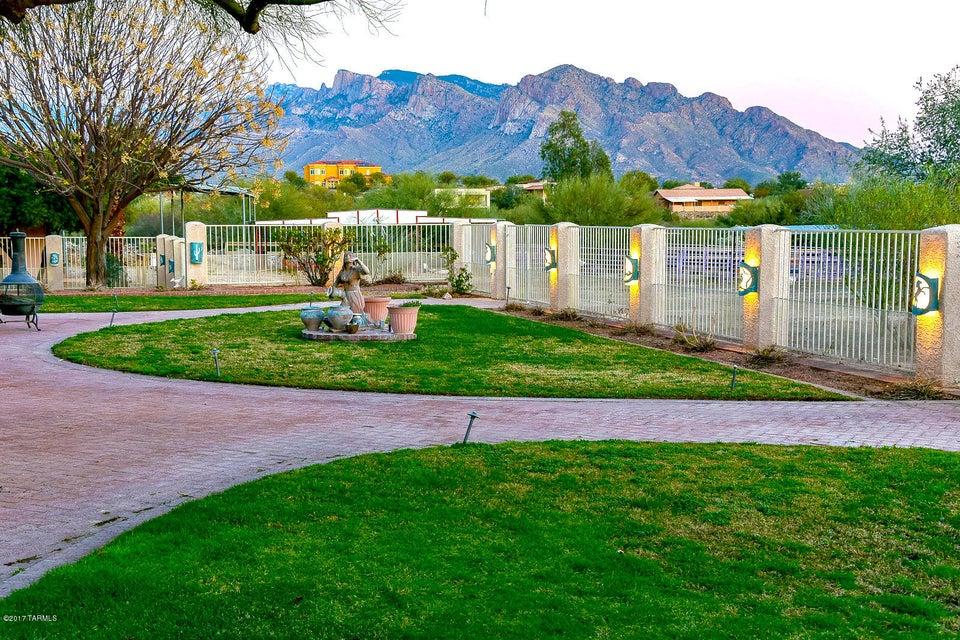 9909 N La Cholla (Set back 1/4 mile) Boulevard, Tucson, AZ 85742