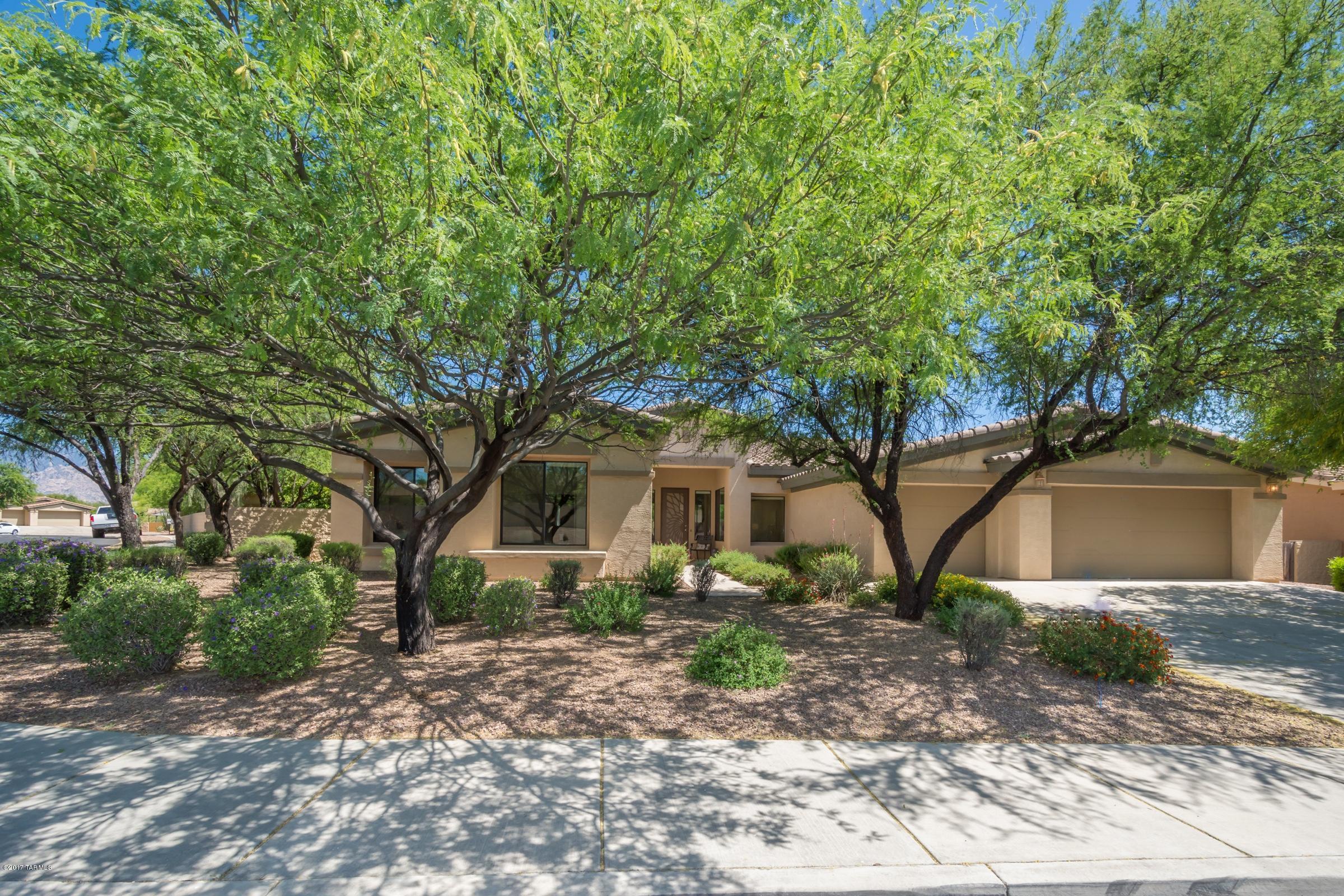 11940 N Verch Way, Tucson, AZ 85737