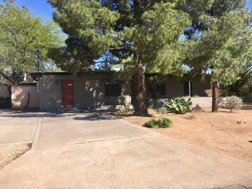 1902 N Cloverland Avenue, Tucson, AZ 85712