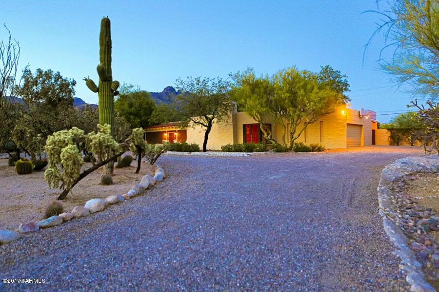 6420 N Camino Padre Isidoro, Tucson, AZ 85718