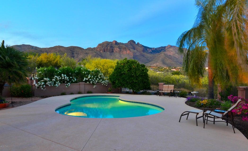 7001 N Chaparral Avenue, Tucson, AZ 85718