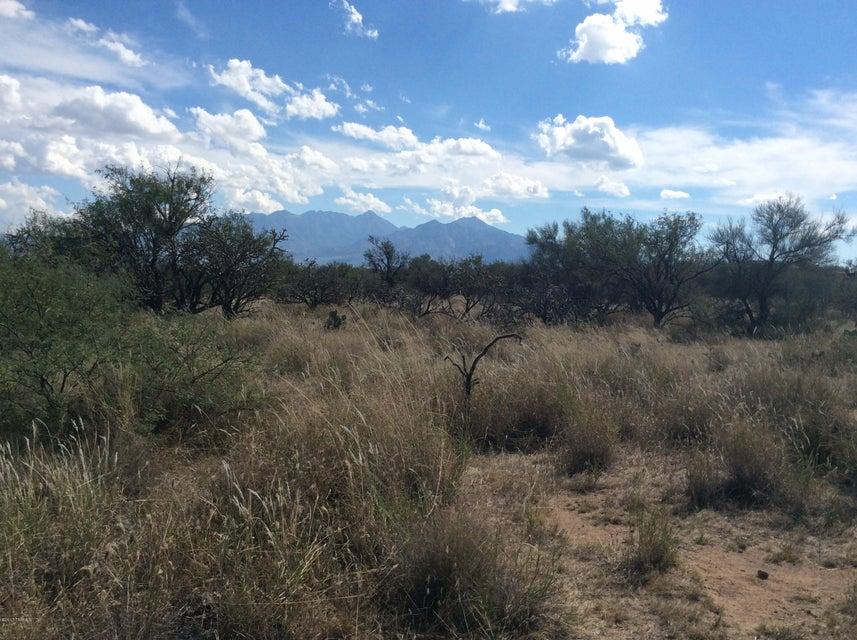 W Calle Uno, Green Valley, AZ 85622