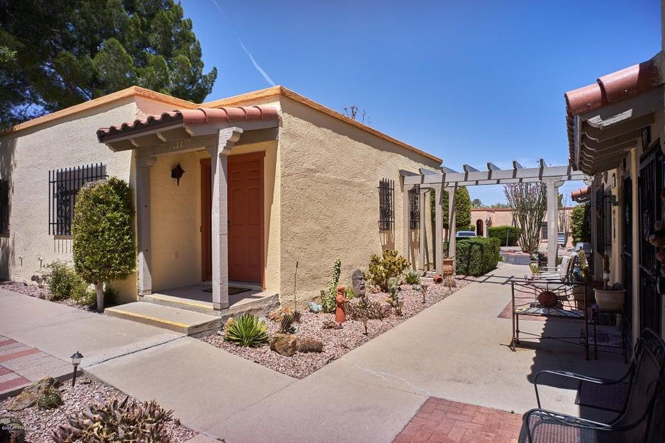 127 W Calle Del Ano, Green Valley, AZ 85614