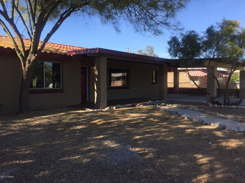 2319 E Parkway Terrace, Tucson, AZ 85719