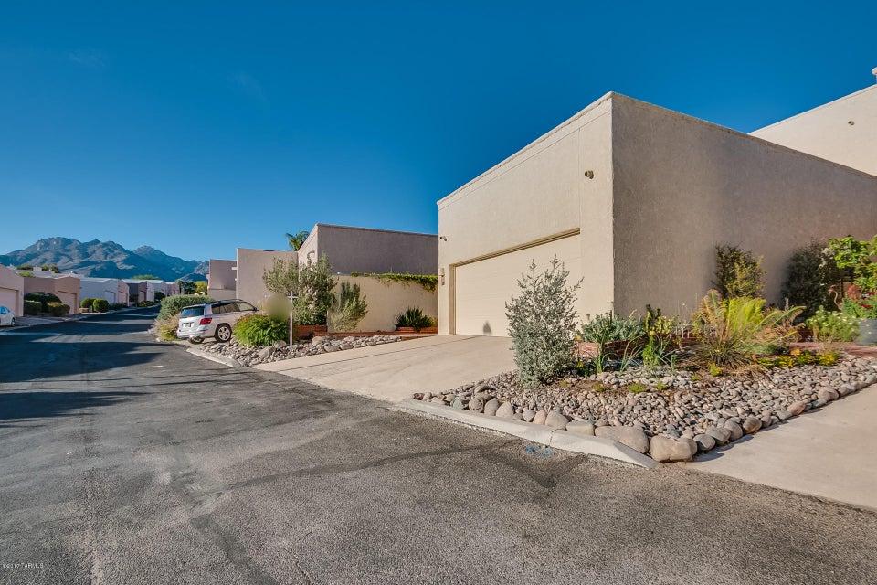4918 N Valle Road, Tucson, AZ 85750