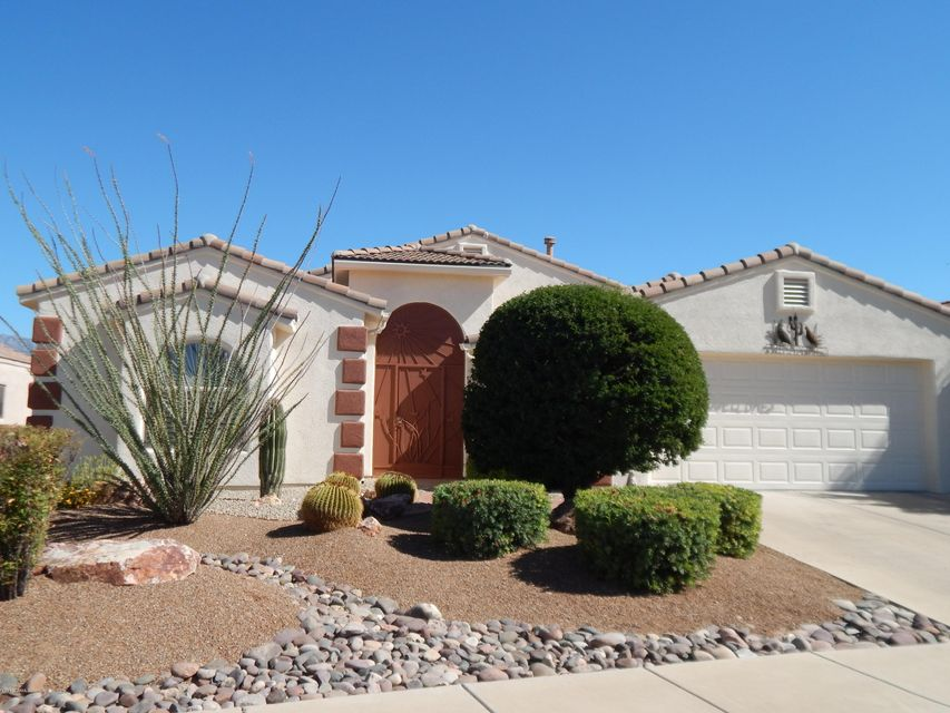2747 S Chipshot Drive, Green Valley, AZ 85614