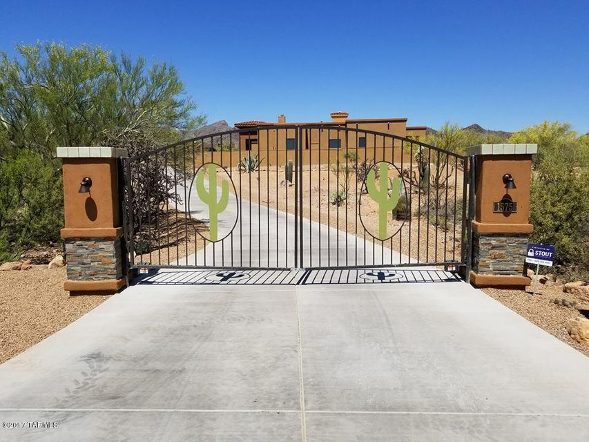 1575 N Fern Cliffs Court, Tucson, AZ 85745