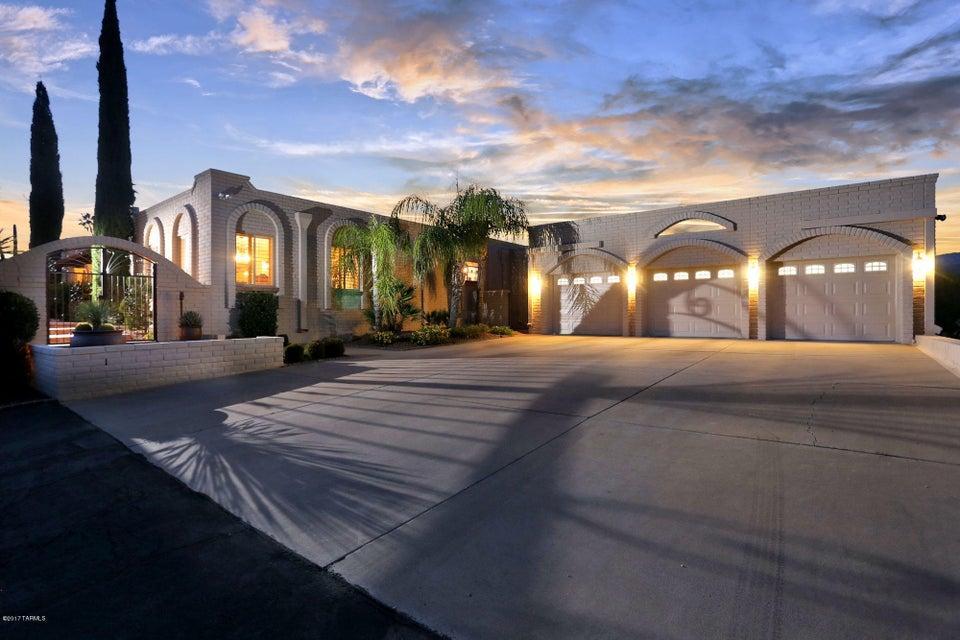 2600 N Amberwood Drive, Tucson, AZ 85749