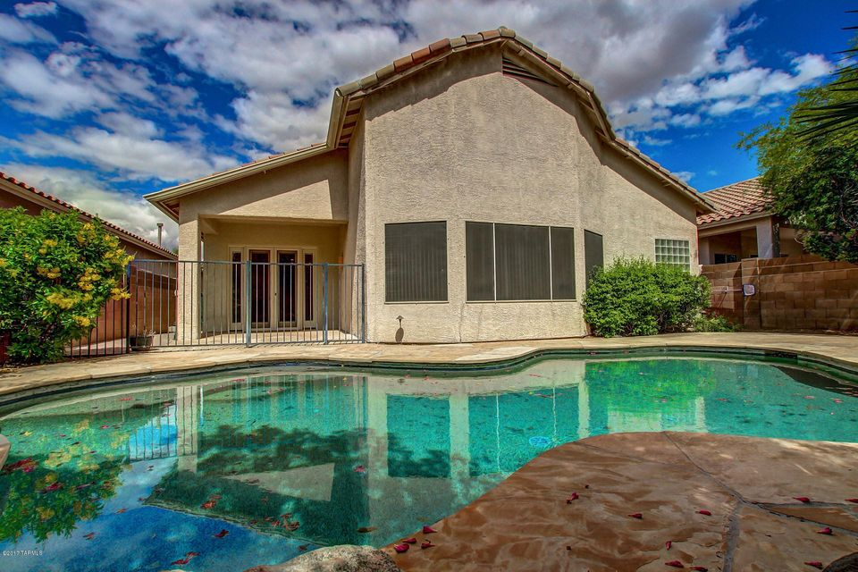 8842 N Treasure Mountain Drive, Tucson, AZ 85742