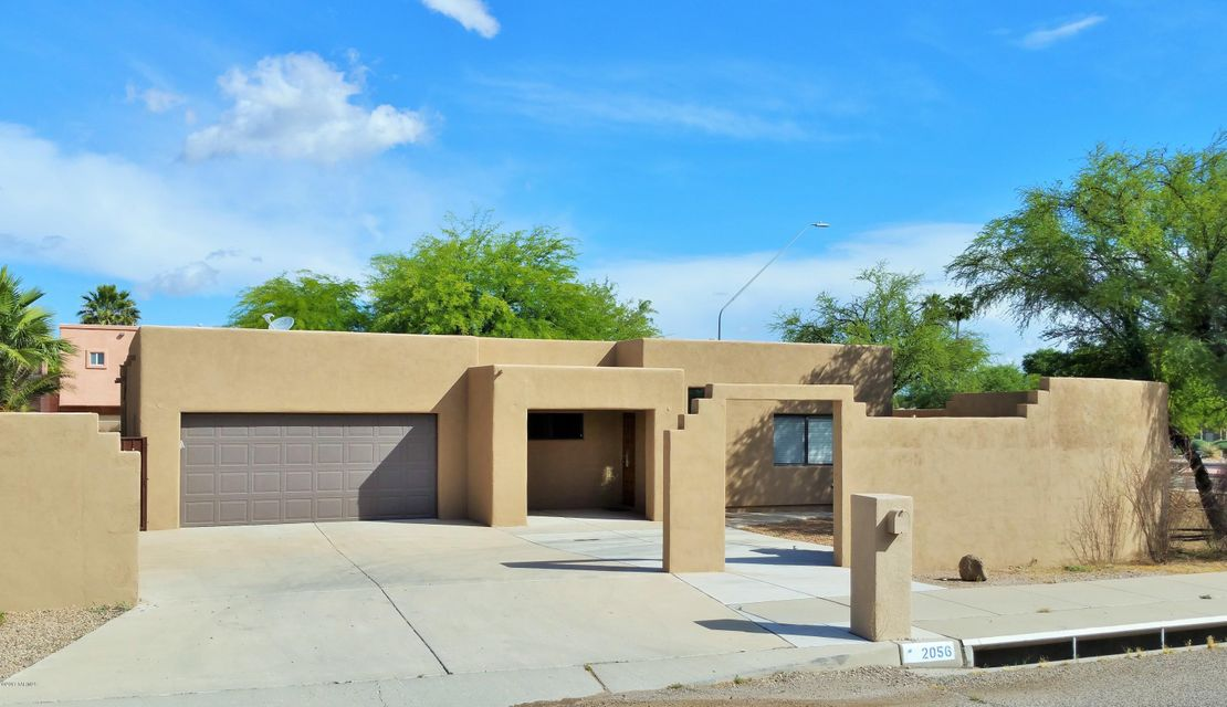 2056 W Rainbow Ridge Road, Tucson, AZ 85745