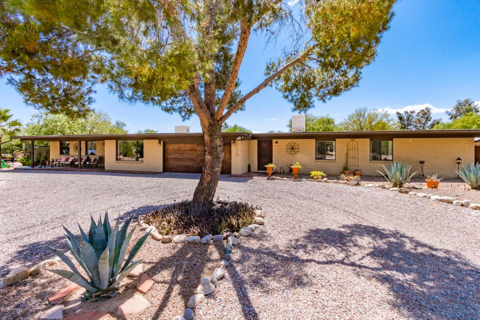 8925 N Morning View Drive, Tucson, AZ 85704