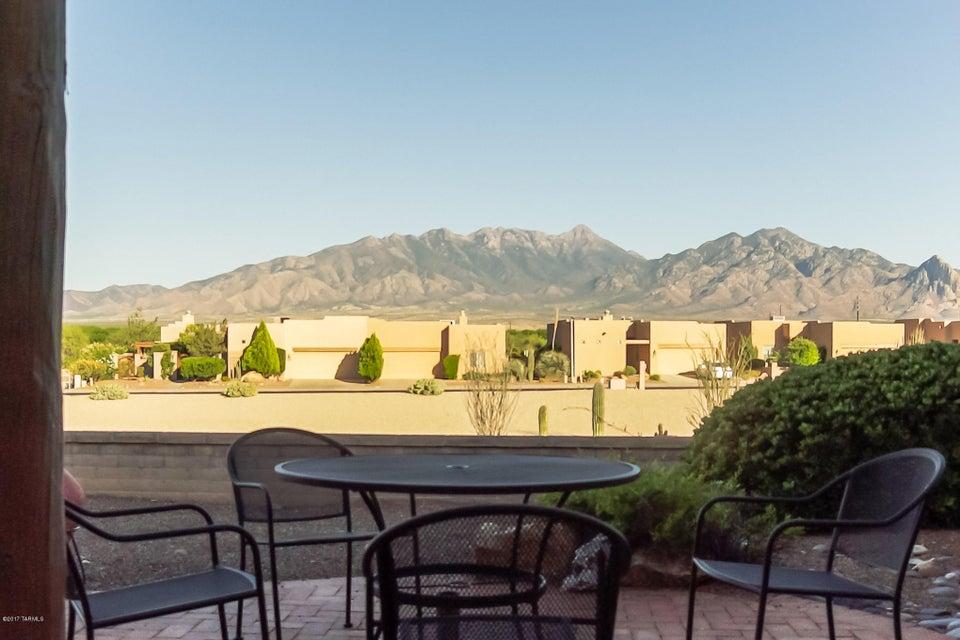 4063 S Golden Lynx Road, Green Valley, AZ 85614