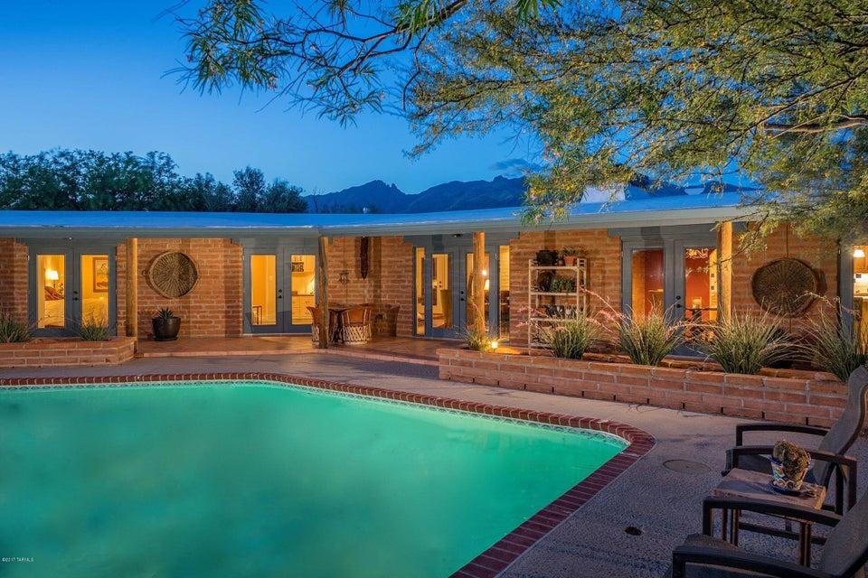 4625 N Flecha Drive, Tucson, AZ 85718