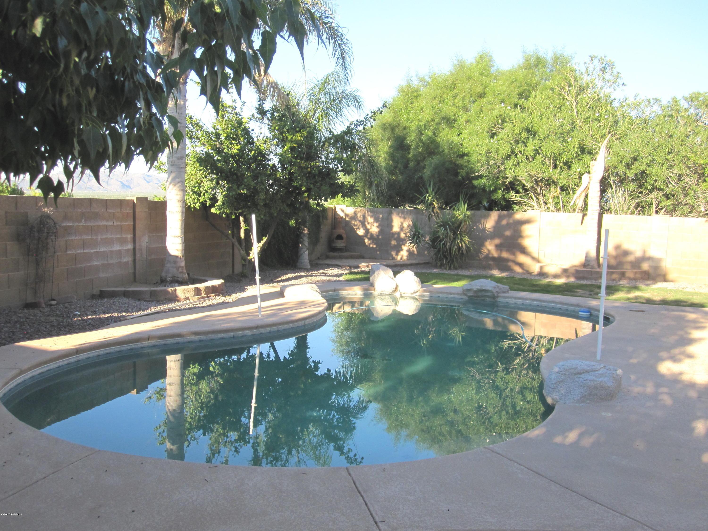 9523 N Stonebrook Drive, Tucson, AZ 85743