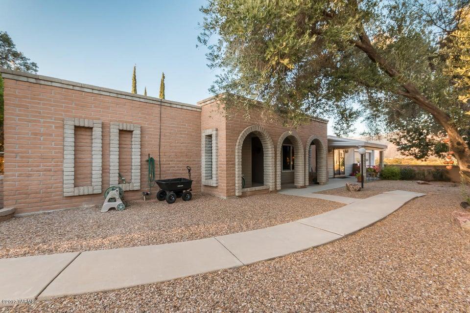 651 E Tangelo Drive, Oro Valley, AZ 85737