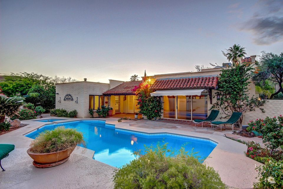 6471 N Val Dosta Drive, Tucson, AZ 85718