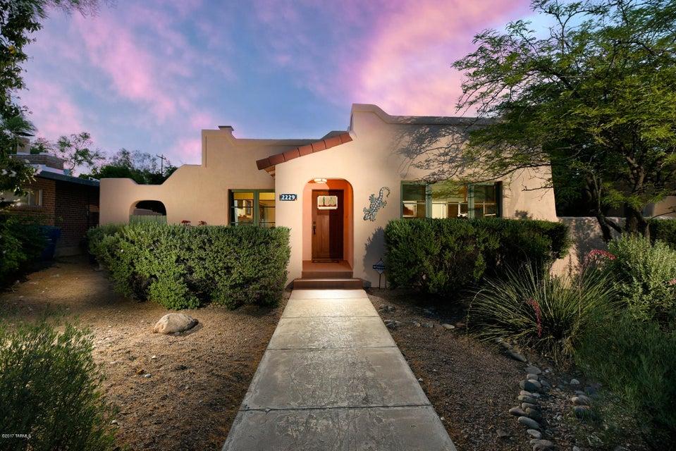 2229 E 3Rd Street, Tucson, AZ 85719