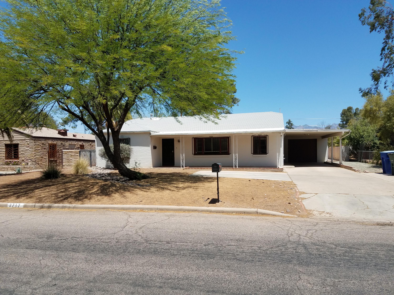 2717 E Arroyo Chico, Tucson, AZ 85716