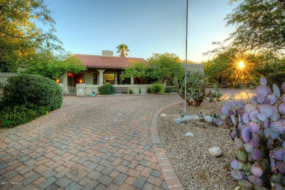 1781 E Rio De La Loma, Tucson, AZ 85718