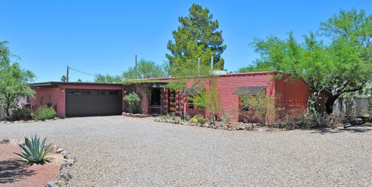 240 W Rolling Hills Street, Oro Valley, AZ 85704