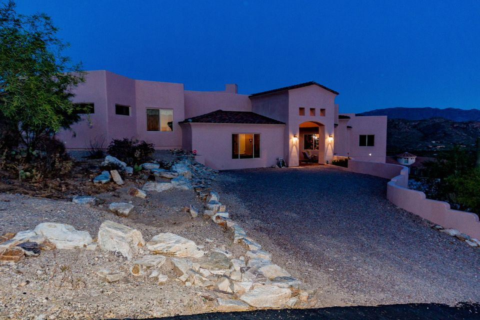5250 N Winnetka Court, Tucson, AZ 85749