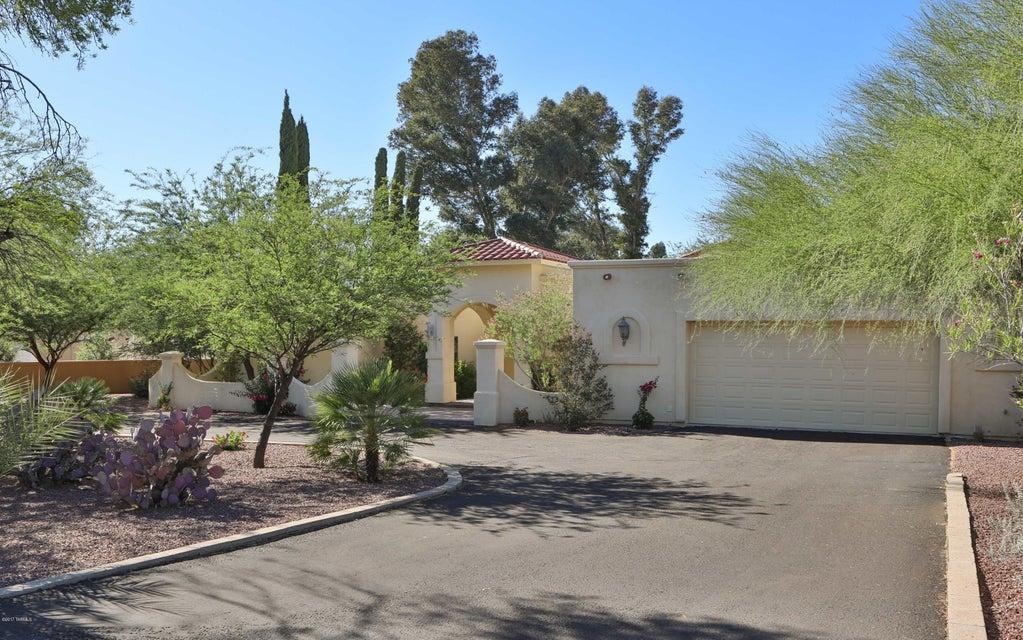 8041 N Della Robia Place, Tucson, AZ 85742