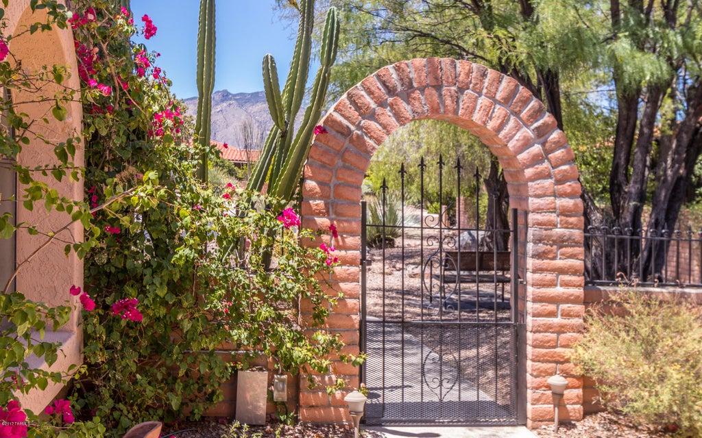 4300 N Vereda Rosada, Tucson, AZ 85750