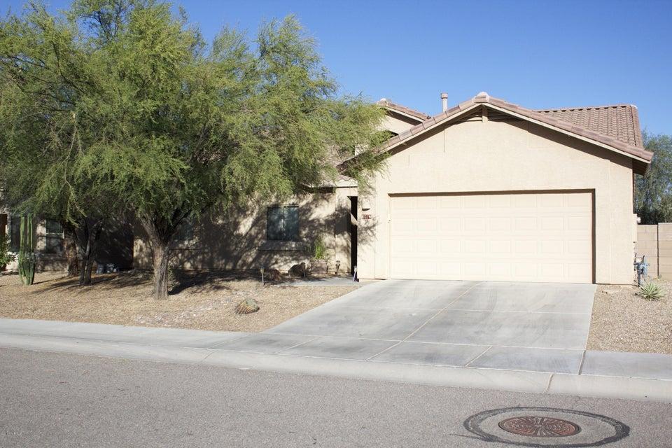 8016 N Iron Ridge Drive, Tucson, AZ 85743