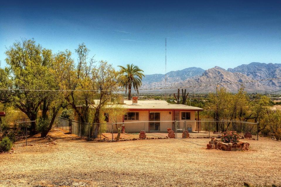 6411 N Desert Foothills Drive, Tucson, AZ 85743