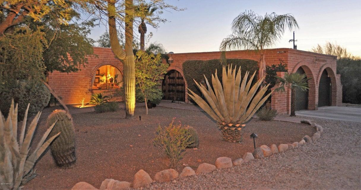 5845 N Piedra Seca, Tucson, AZ 85718