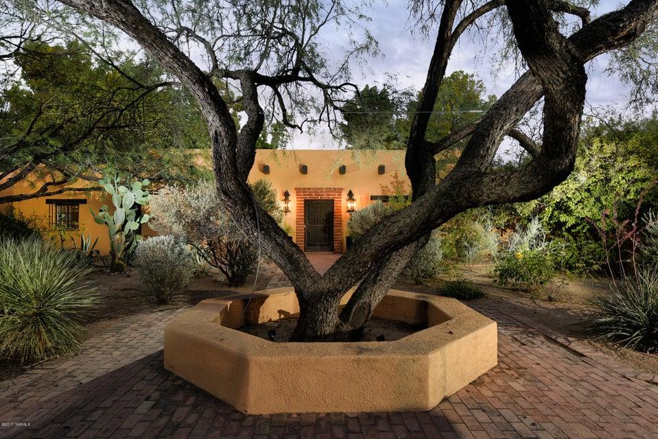 525 S Via Guadalupe, Tucson, AZ 85716