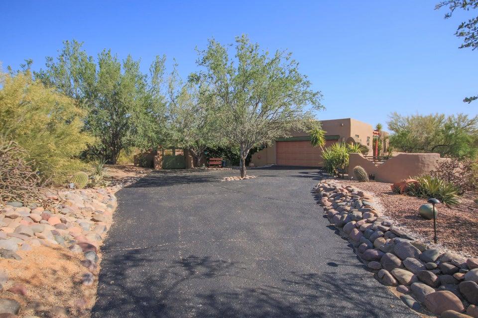 375 W Atua Place, Oro Valley, AZ 85737