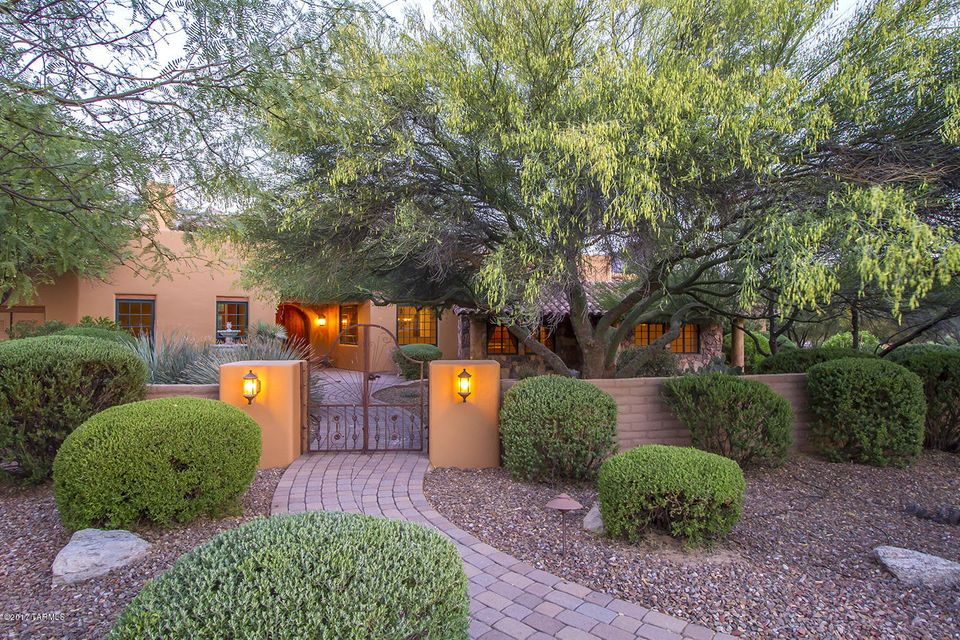 2673 E Talante Canyon Place, Tucson, AZ 85737