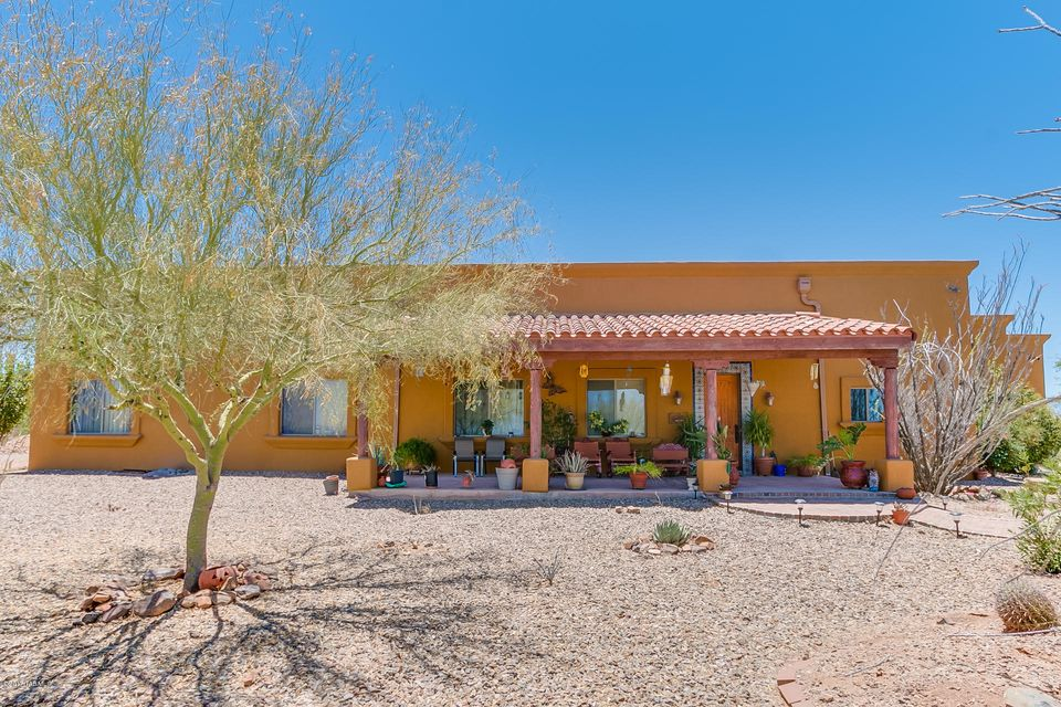 845 S Hobbs Place, Vail, AZ 85641