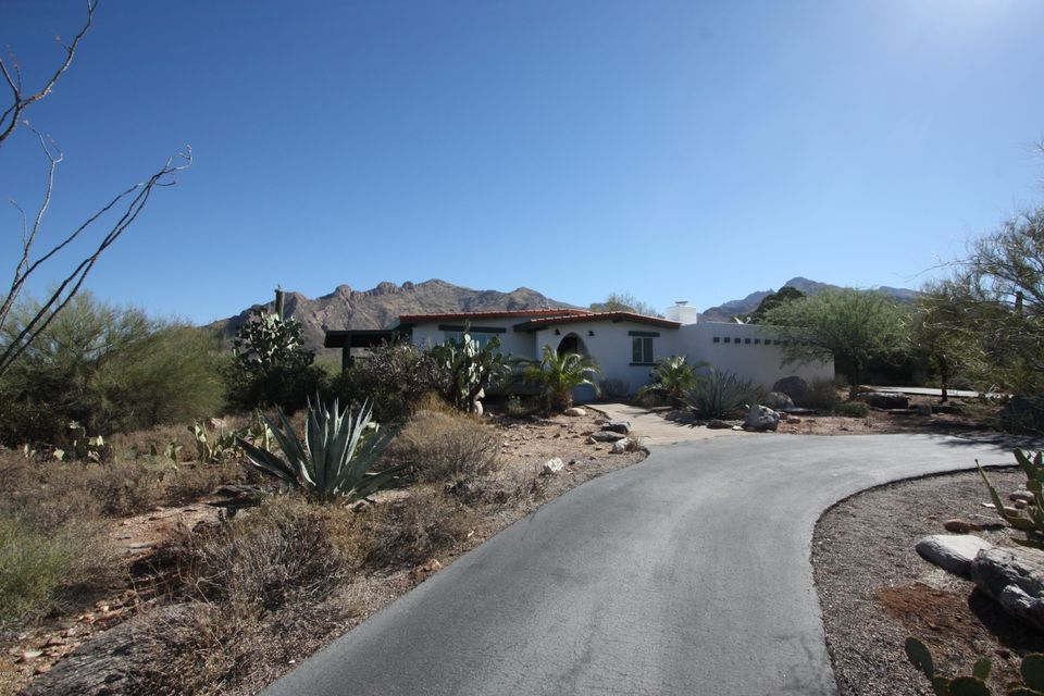 1205 E Moonridge Road, Tucson, AZ 85718