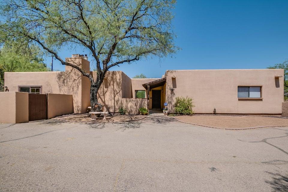 5621 E Fort Lowell Road, Tucson, AZ 85712