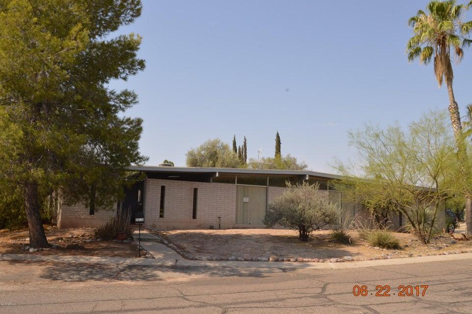 8800 E Lee Street, Tucson, AZ 85715