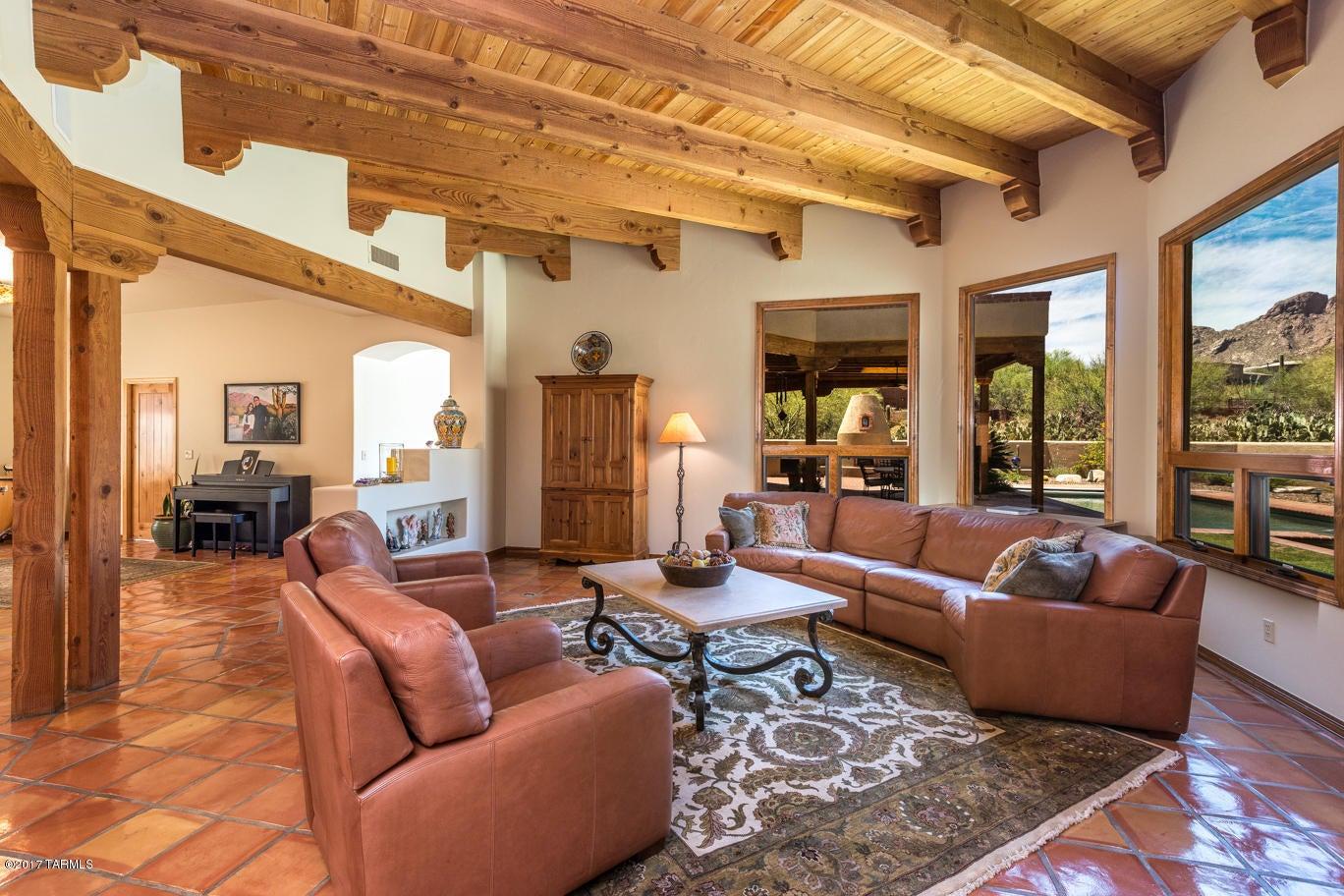 2293 E Quiet Canyon Drive, Tucson, AZ 85718
