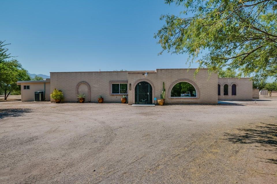 11330 E Conestoga Place, Tucson, AZ 85749